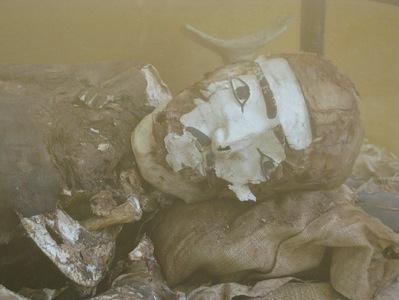 Momie avec masque